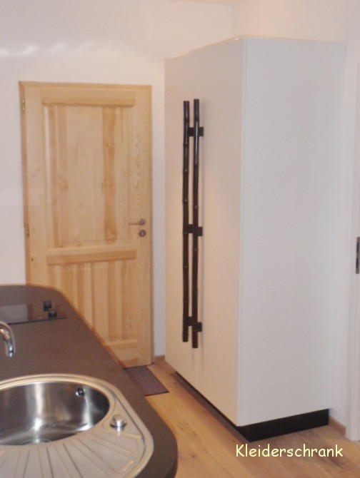 geniale k che und geniale einrichtung appartment yin yang. Black Bedroom Furniture Sets. Home Design Ideas
